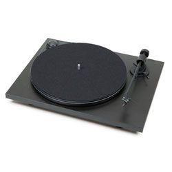 Pro-Ject Debut Carbon DC review